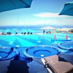 DJ Jeff Kirkwood's Sunset Session @ Mantamar Beach Club, Puerto Vallarta, Dec 2014 (Part 2)