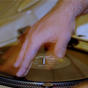 live rec, friday start off the weekend debiel met vinyl