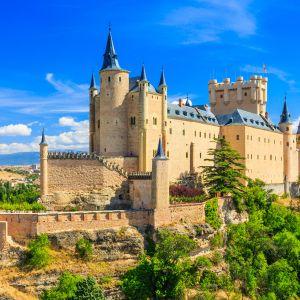 Una sinagoga única, castillos centenarios y otros rincones de España que luego nos descubren los ext