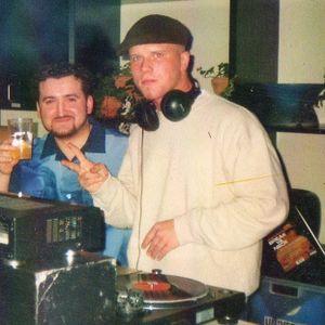 Chris Count live from 2002, in the mix with Vinyl.
