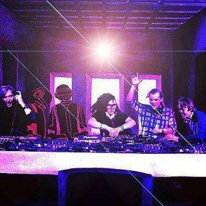 RADIOACTIVO DJ 21 BY CARLOS VILLANUEVA