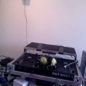 1st Mix w/ Traktor Kontrol S4 - Dj Zense