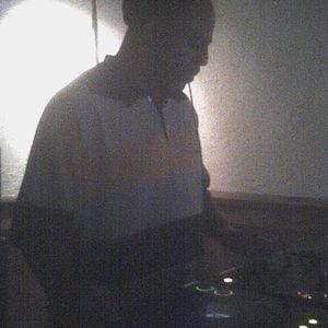 Mid-Day Mega-Mix on V-101.7 Macon GA 10/17/2011