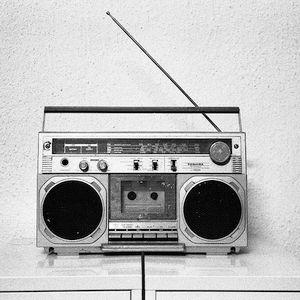 Minimized music radio show 001