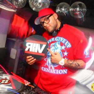 DJ R2V - LiL Summer Mixtape 2012 Part 2