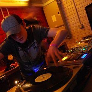 Outline - SUN & BASS DJ COMPETION - DEEP D&B