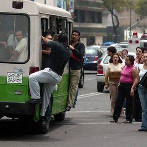 Color de tierra, Hablando de los Microbuseros, Programa transmitido el día 15 de Junio 2012 por Radi
