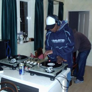 DJ Bugg - Midday Madness Mix - May 05