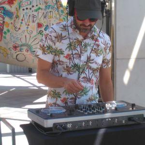 Minimix House para caimanes (mediodía en una terraza de hotel en Barcelona, 21-07-17)