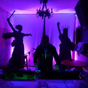 DJ Surv live w/ G.J. Zahra on Bongos @ House of Doris Karnival Saturday 2014, Victoria, Gozo Malta