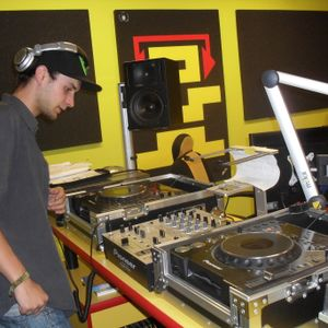 STUbass live on radio Helax - Fatal Teror radio show (DJ Wes-T)