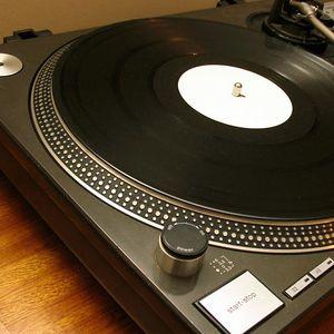 Just Vinyls & Tech House (no computer involved)