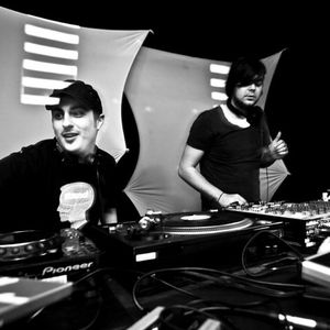 Ian F. & Aneuria @ Colours Black Edition - K4, 07.02.2011  (Part1)