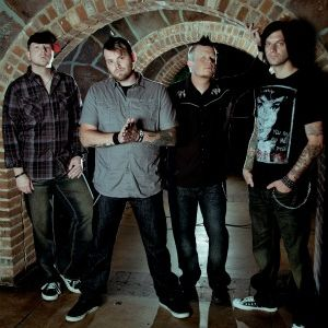 Artist Q&A with CANDLELIGHT RED Guitarist Jeremy Edge
