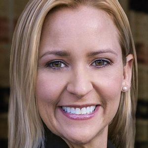 James York talks to Republican Attorney General candidate Leslie Rutledge 05-30-14