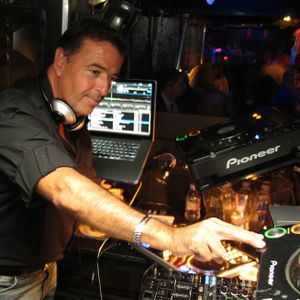 C J Carlos 'Live from Miami' / Mi-Soul Radio / Wed 2pm - 4pm / 11-11-2015