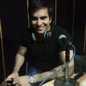 JUNAID KHAN'S EXCLUSIVE MAST FM 103 INTERVIEW BY DR EJAZ WARIS