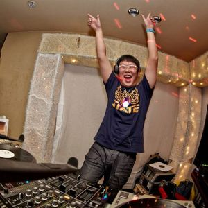 DJ-KITA-HOUSEMIX-BPM126-130-APRIL-2014