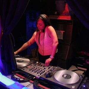 Worry-Free Wed w/ DJ Moonbaby - July 4th 2011 Mix