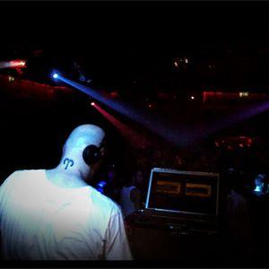 "80's SET ""Guitars & Machines"" by DJ Jordi Caballé. Made in ""242 BCN"". Year 2007"