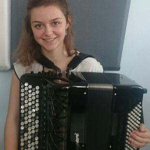 Trois petits tours et puis s'en vont du 13.7.2016 en compagnie de Julia jeune accordéoniste