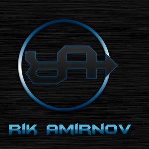 ICE CREAM SANDWICH 001 - Rik Amirnov