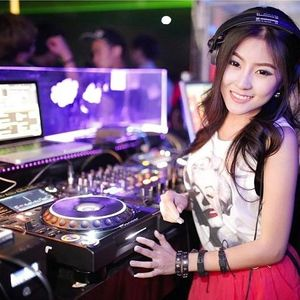 Nonstop Việt Remix – Tâm Sự Cùng Người Lạ