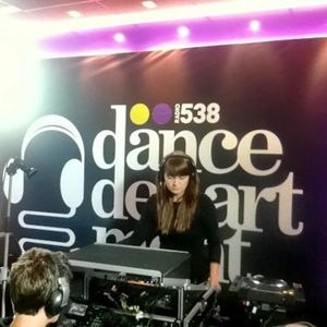 Dance Department - 01 - Nadia Struiwigh (Cinematique Records) @ Radio 538 NL (21.07.2012)