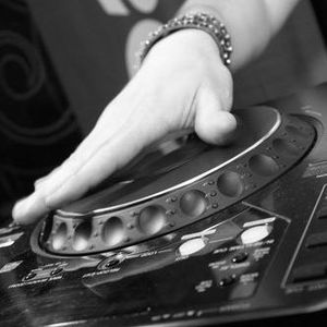 Dj Wick3 - Turn up the VOLUME