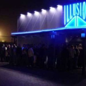 DJ Wout @ Illusion on 31.12.1997 (from 23h-00h30) > countdown starts ar. 1h06..