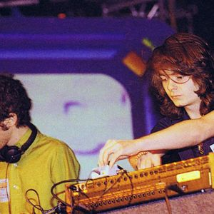 Daft Punk - Live @ Crobar, Miami (3-13-1999)