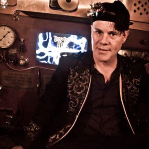 Episode 100 : Breaking the Speed of Sound with Thomas Dolby