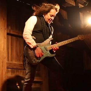 Interview with Jake E Lee on The Friday NI Rocks Show 9th Nov 2018