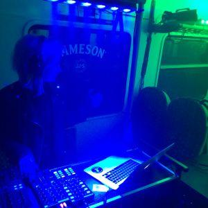 Nina Elektrichka jameson pop-up train party live [raw space cut]