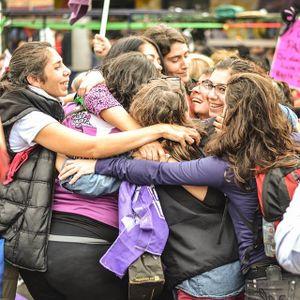 Fragmentos de la asamblea de mujeres, lesbianas y travestis en la Estación Darío y Maxi