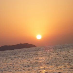 The Sun & The Sea - Razoof's Dub & Downbeat DJ Mix 2011