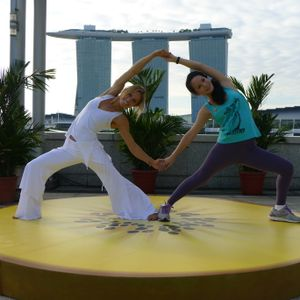 Zespri Golden Salutations: Chelsey Korus Yoga Ft. Amanda Ling ( Live Yoga Flow Mix )