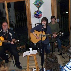Loretta Hagen Live 12/22/13 on Radio Nowhere!