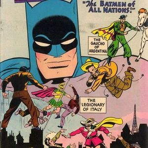 42 - Detective Comics #215 - The First Apearance Of The Batmen Of All Nations