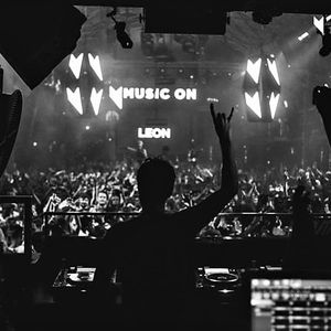 Leon & Paco Osuna – Live @ Music On Opening Party (Amnesia, Ibiza) – 19-05-2017