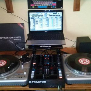 Steven Burton In The Mix - December Loving Techno Mix