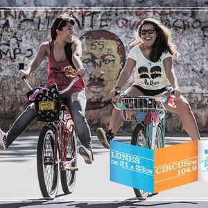Junio 02/14_ La FLIA / Mama Roja / Mujeres cicloviajeras