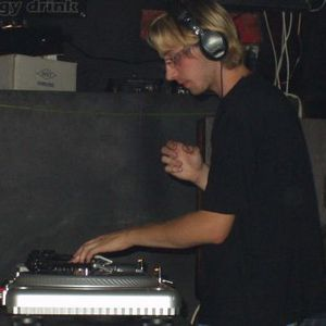 Dj 6Pac - Scholtek Garage Mix 08/2001 - tape side B