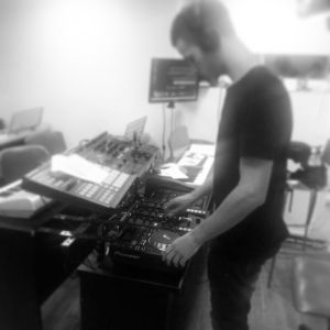 30 min' chillout set, enjoy (live recording set mixed by D.N.A)