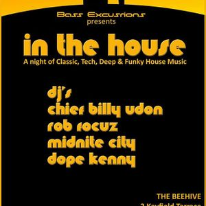 Rob Focuz - Techno Mix at The Beehive, St. Albans, Saturday 1st April 2017