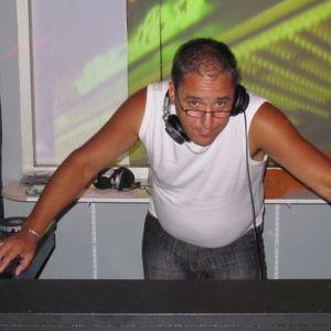 DJ Gilbert Hamel From The Lounge King on djvfmradio.com 10-02-2013