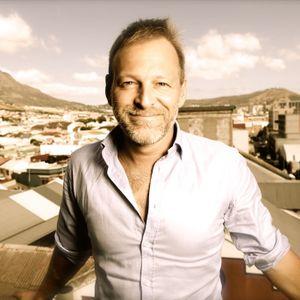 This week's 'Carrie on Talking' welcomes award winning journalist Dan McDougall
