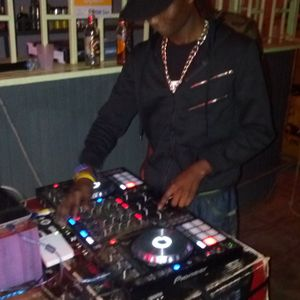 DEEJAY TRIPHA THE DOPE MASTER MIX 6...STAR TRECK ENT