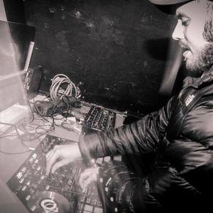 #Club40Remix Radio Show 5/1 - First Hour