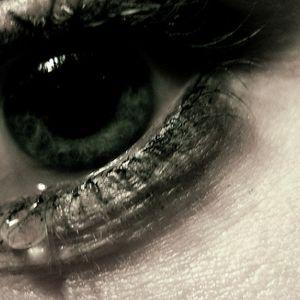Asaras, ko zinām par to, kāpēc raudam